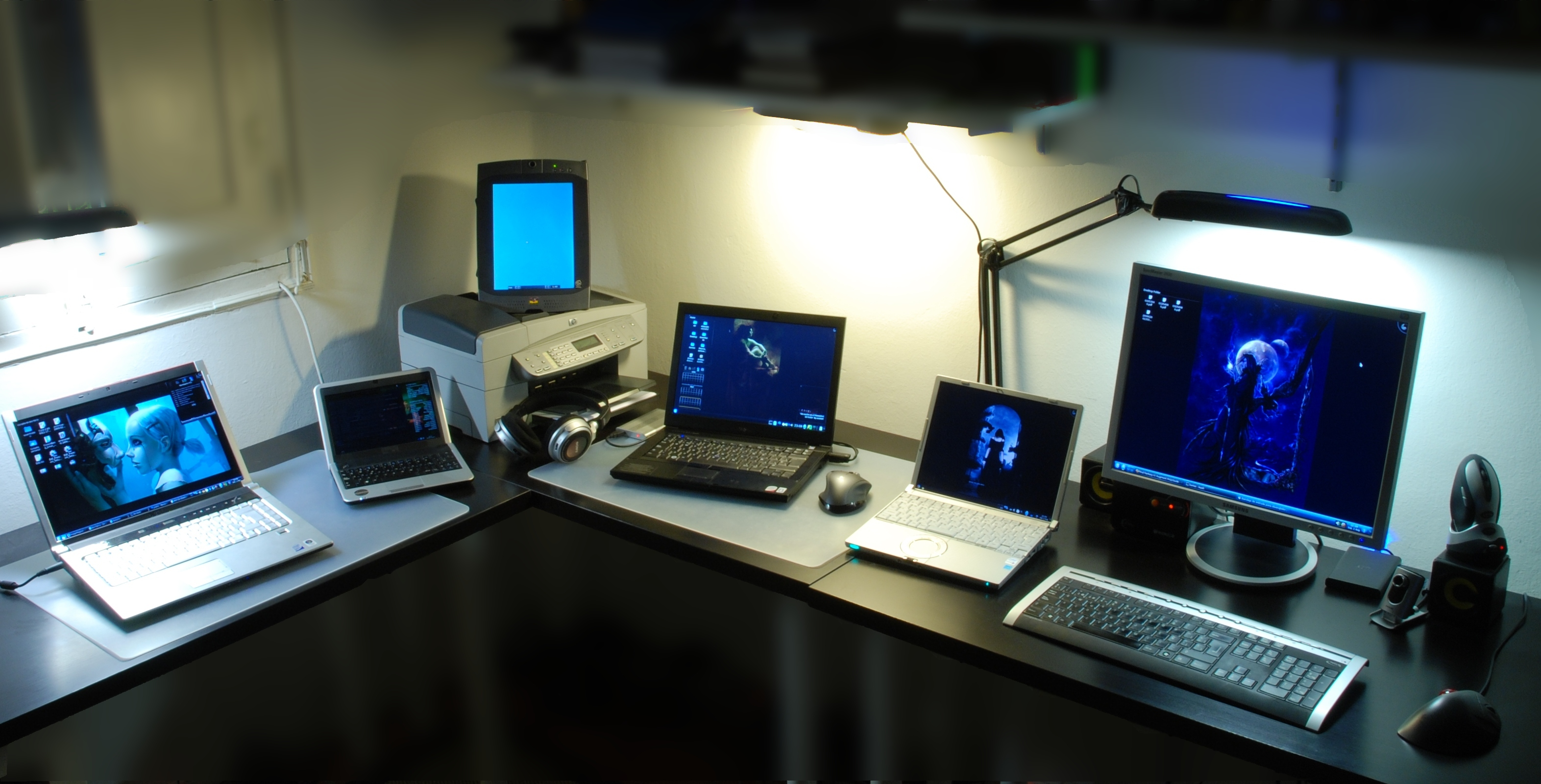 Notebooks, tablets and desktops on display