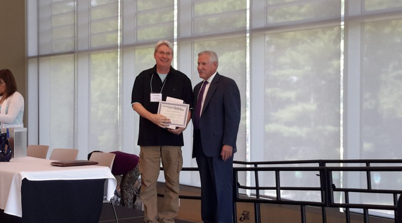 Dr. Kevin Stanley Wins the Course of Distinction Award