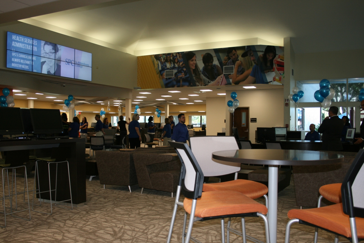 Tarpon Opens New Career & Academic Advising Center |